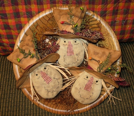 EPATTERN -- Primitive Autumn Fall Scarecrow Head Tucks Ornies Bowl Fillers