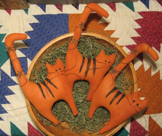 EPATTERN -- Primitive Cheshire Cat with Alternate Tabby Cat Tucks Ornies Bowl Fillers Halloween