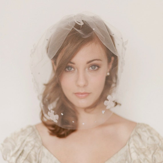 Types of Wedding Veils - Blusher Veil