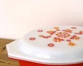 """Large 2.5Qt Vintage Red Pyrex Casserole """"Friendship"""" Pattern"""