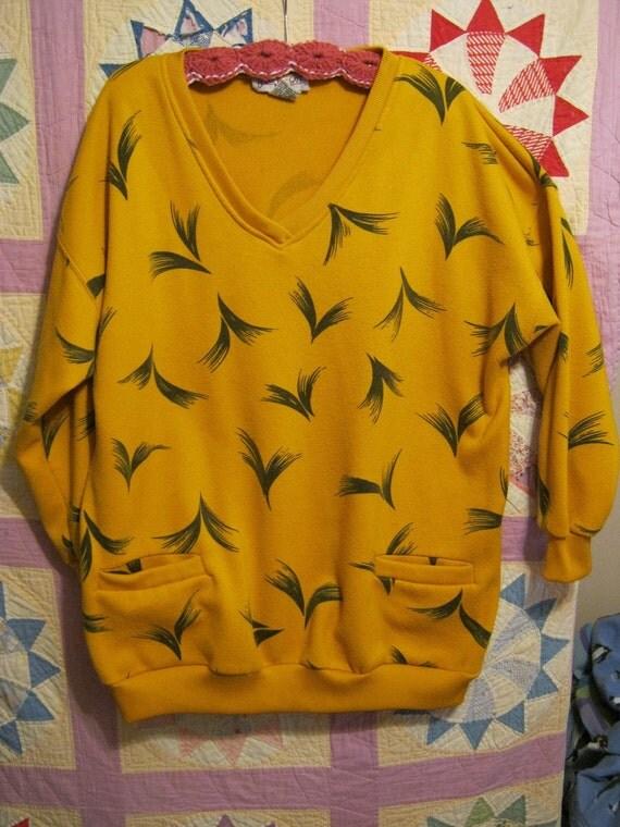 Gold and Black V-Neck Long Length Sweatshirt 80s 90s (1X)