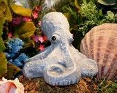 Octopus Statue, Concrete Octopus Baby, Outdoor Garden Art Figurine