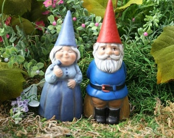 Attractive Concrete Gnomes   Garden Gnome Couple   Mr U0026 Mrs Gnomes