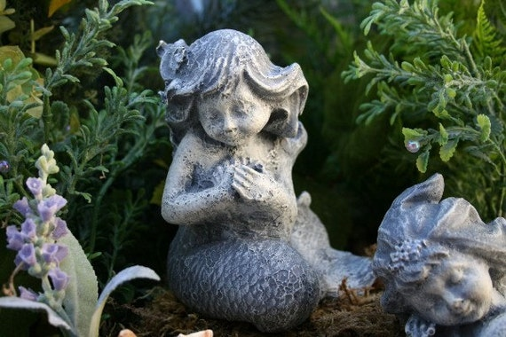 Stsatuette For Outdoor Ponds: BABY MERMAID GARDEN SCULPTURE Concrete Pond Garden