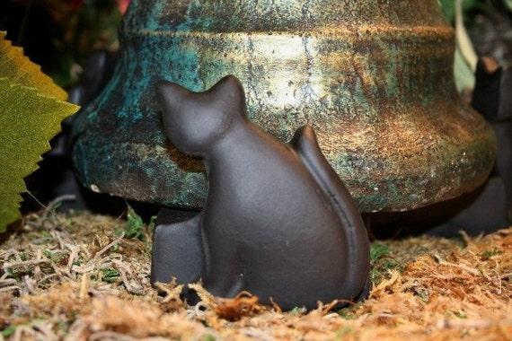 Pot Feet For Large Planters,  Concrete Cat Pot Risers
