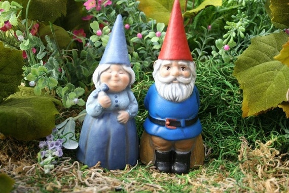Concrete Gnomes - Garden Gnome Couple - Mr & Mrs  Gnomes