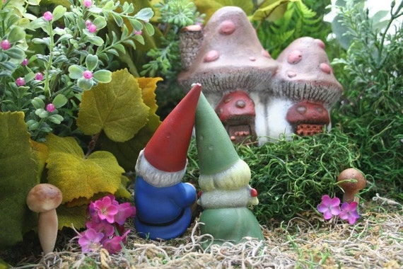 Miniature Garden Gnomes Concrete Vintage Style Mr & Mrs Gnome Couple