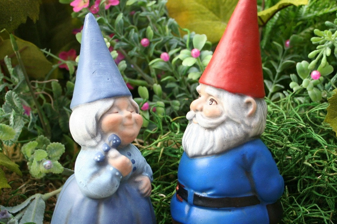 Gnome In Garden: Garden Gnomes Couple Concrete Fairy Garden Art