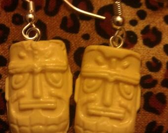 Yellow, tiki, yellow tiki, tiki earrings, tiki oasis, tiki god, ocean wedding, tropical wedding, beach, hawaii