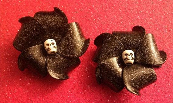 Black plumeria, skull, glitter, plumeria barrette,  skull barrette,skull,day of the dead,skull clip, skull flower, black clip