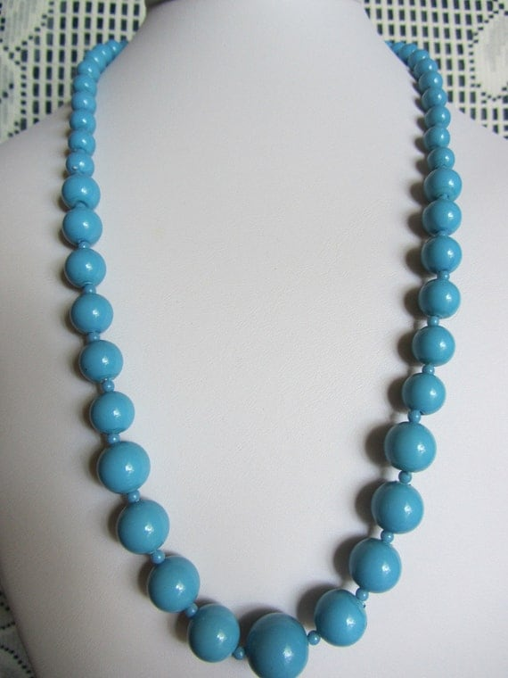 Vintage Blue Graduated Beaded Necklace