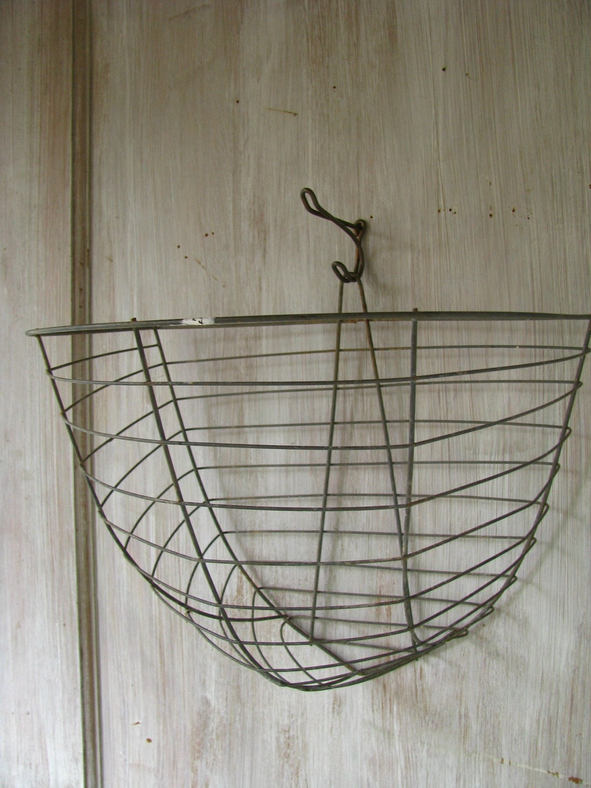 how to make a wire hanger for a hanging basket