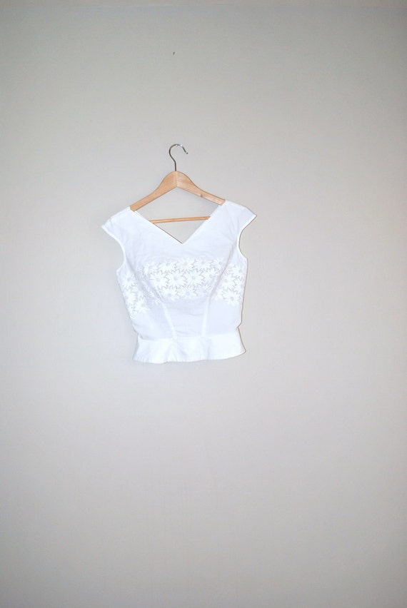 vintage 1950s blouse / 50s top / fitted lace shirt