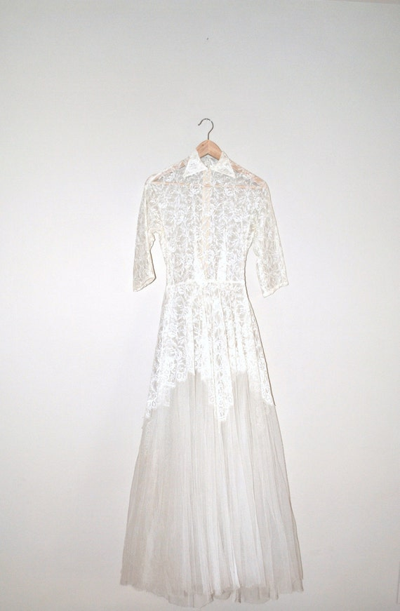 1940s wedding dress // chantilly lace and tulle // three piece vintage wedding gown