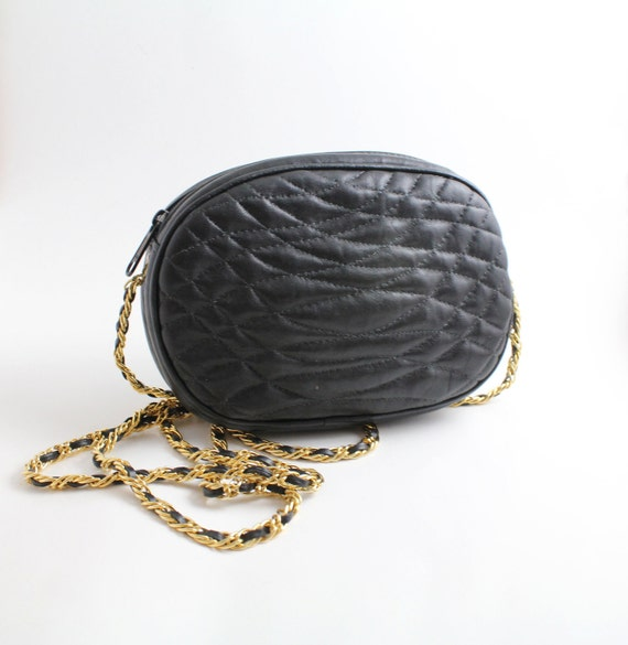 80s QUILTED LEATHER Purse w/Chain Strap