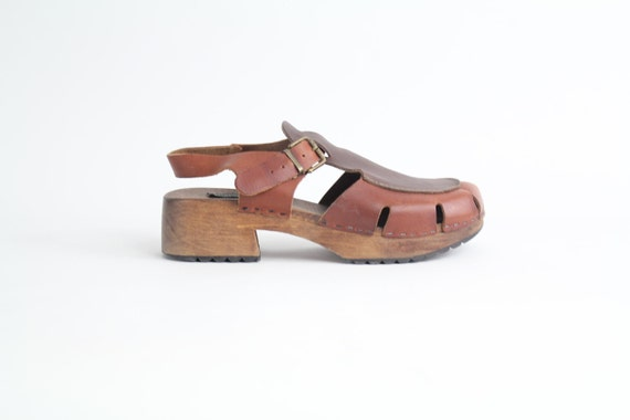 sz 8 vintage chunky platform leather sandals // vintage brown leather wooden shoes / Made in Italy / 38.5