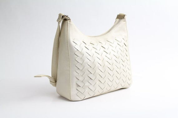 FINAL SALE. . . 80s vintage purse / cream woven leather handbag / 1980s everyday bag