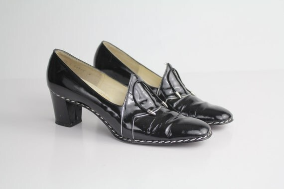 sz 8.5 vintage PATENT LEATHER piligrim shoes / 39