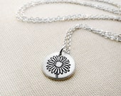 Tiny daisy necklace, silver flower necklace, flower jewelry, daisy jewelry
