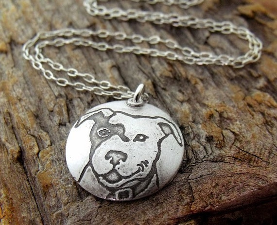 Smiling pit bull necklace