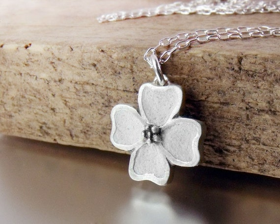Dogwood flower necklace in silver and concrete
