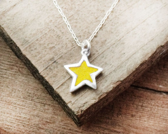 Tiny star necklace - silver and concrete