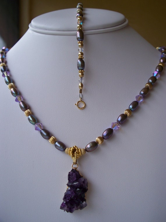 AMETHYST GEODE on PEARL Necklace and Bracelet Set