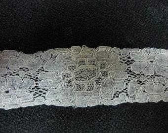 Vintage Fine Antique Ivory Floral Lace Trim Edging 54 Inches