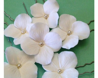 Set of 6 Pure White Hydrangea with Pearl Centers