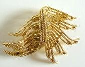 Vintage Goldtone Lisner Brooch