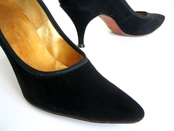 Vintage Mad Men Heels Black Velvet Stiletto Shoes Pumps Vintage 1960s Size 9 AAAA