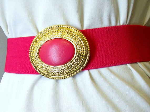 Vintage 1980s Hot Pink Wide Stretch Belt with an Oval Leather and Goldtone Buckle, Modern Size 6 to 8, Small