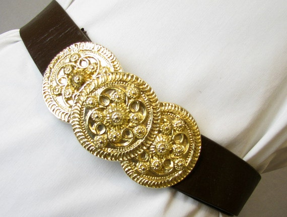Vintage 1980's Brown Leather Belt with Chunky Goldtone Buckle, Modern Size 2 to 12, XS to Large