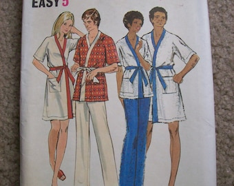 Mens or Womens Sewing Robe Pattern  size Medium Used