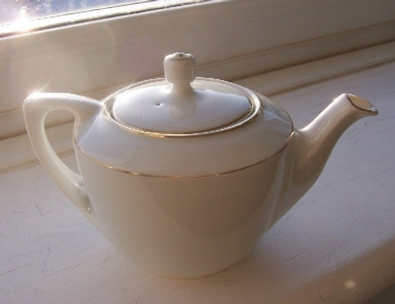 Reserved for Yingdan - Vintage Bone China Miniature Teapot in White and Gold - EnglishPreserves