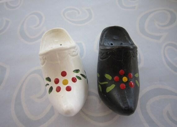 Vintage Metal Dutch Shoes Salt & Pepper Shakers