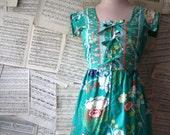 70s Kelly green TRIPLE TIE dress