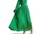 Green Sleeves 2 long dress (Q1005)