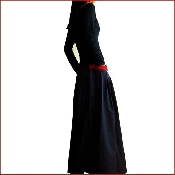 Red Pocket Long Skirt in black (Q1001)