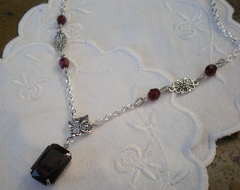 oO SIMPLE RED Oo garnet red glass stone necklace
