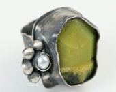 Sterling Silver Ring with Green Aventurine and Pearl Flower