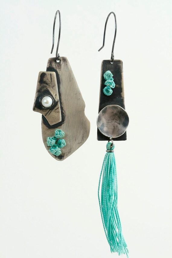 Asymmetrical Pair - Earring- Silver-Pearl-Silk Thread