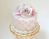 1/12TH scale - romantic cake with pink roses by Lory