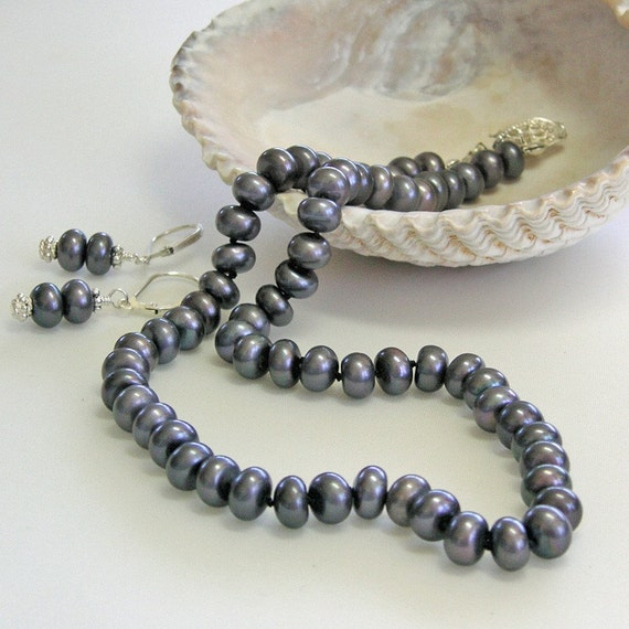 Stormy Sea Hand Knotted Pearl Necklace Set