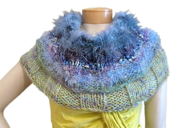 Loop Scarf/Capelet PDF pattern from Knittique