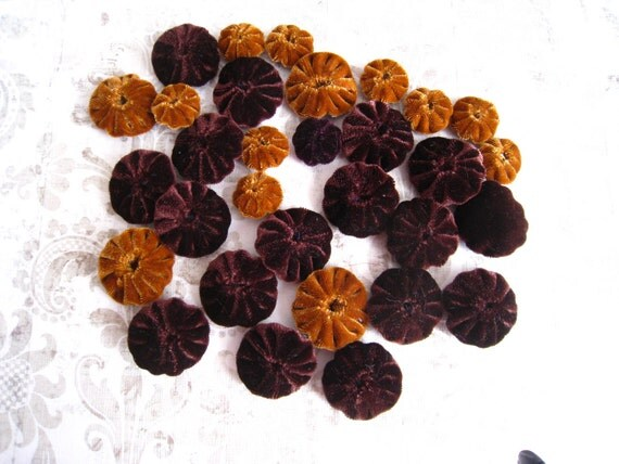 """OOAK, Brown and Caramel YoYo Appliques 3/4"""" and 1"""" mix"""