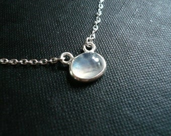 Moonstone Necklace. Sterling Silver and Moonstone Necklace. Oval Moonstone Pendant. Genuine Rainbow Moonstone. Silver and Moonstone Necklace