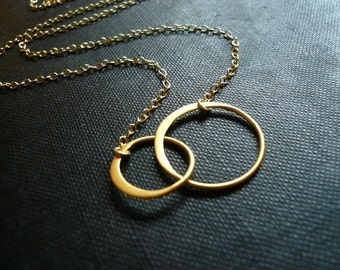 Gold Entwined Rings Necklace - Entwined Gold Rings Necklace in Gold Filled and Brass - Sweet Wedding, Valentines Day or Mother's Day Gift