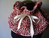 Valentine Sweetheart Cottage Cowl en rouge et blanc ruban Ivoire plus chaud