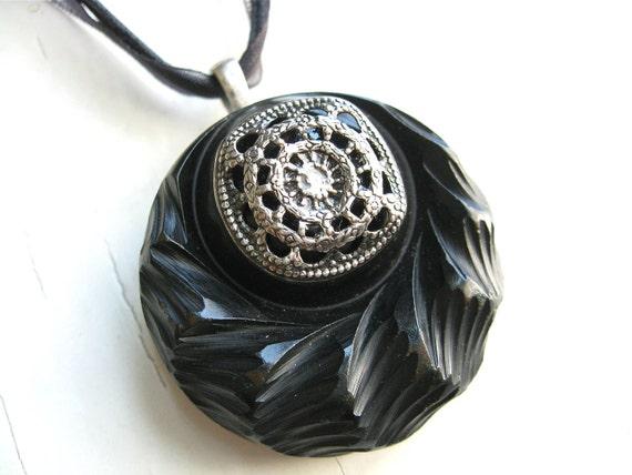 Antique Black Bakelite Vintage Button Pendant Necklace Vintage Button Jewelry